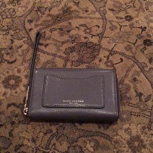 Marc jacobs zip around medium wallet